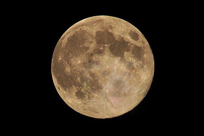 moon2011az.jpg